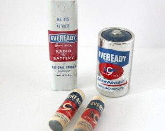 Vintage Lot 4 Eveready Batteries AA Paper Labels, Radio B and D 1950s 60s