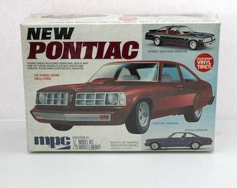 New Pontiac 1977 Ventura Rare Sealed Model Kit MPC 1-7703 1/25 3 Versions