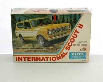 International Scout II Ertl Model Kit, Vintage 1976 Ertl 8021 1/25 Scale