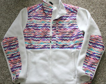 North Face Denali Fleece Zip Up Jacket, Vintage Women's White Polartec Multi Color Zigzag