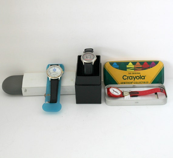 Lot 3 Vintage  Promo Advertising Watches Armitron Crayola Crayon, 3 Musketeers Holographic, M&Ms