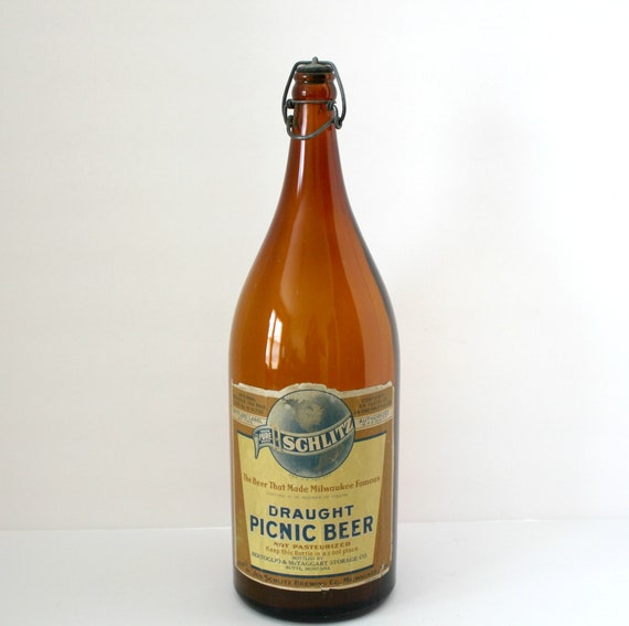 Vintage Schlitz Draught Picnic Beer Bottle 64 oz Half Gallon
