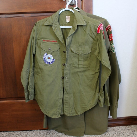 Vintage Lot of 2 Yakima WA Boy Scout Uniform Shirts with Patches Fort Simcoe Troop 15 221 1950s