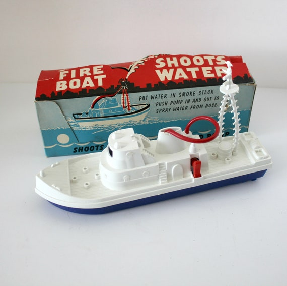 Vintage Knickerbocker Fire Boat #87 Hydro Jet Pump Shoots Water, in Original Box 1950s