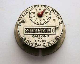 Buffalo Meter Co. Dial 107, Vintage Gallons Water Pump Metal Gear Dial Face, 30s Deco Steampunk