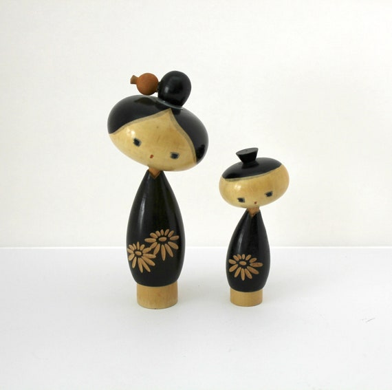 Pair Vinage Kokeshi Wood Dolls, Wooden Mother Child Oriental Figures, Signed