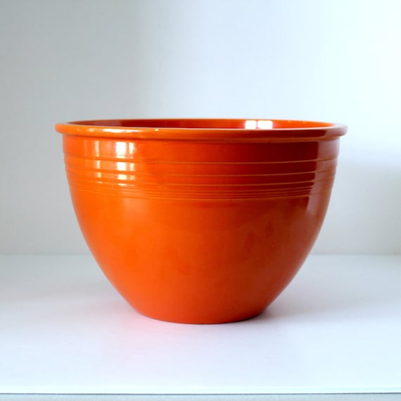 Vintage Fiesta 7 Number Seven Mixing Bowl, Orange with Inside Bottom Rings