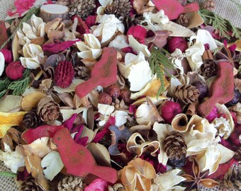 Country Cardinal Wintertime Potpourri, Red Bird, Rustic, Room Scent, Christmas Scent, Winter Potpourri, Botanicals, Refresher Oil Included