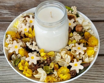 Field of Daisies Artisan Potpourri with a Scented Soy Candle
