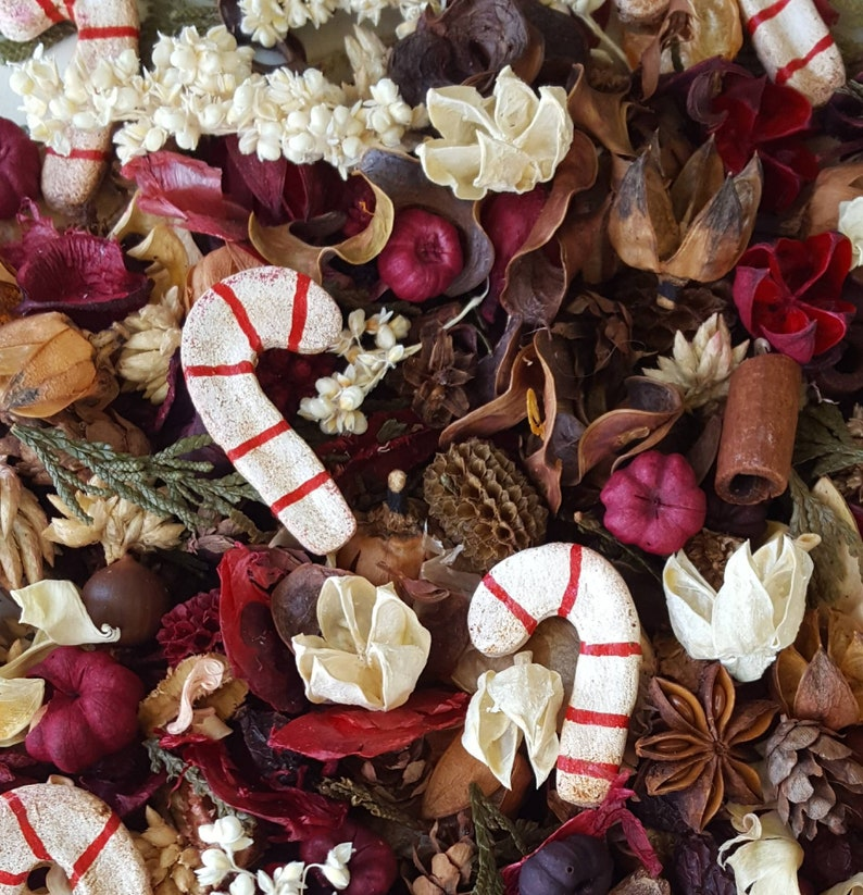 Candy Cane Lane Artisan Potpourri for Christmas image 0