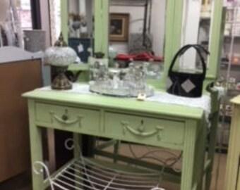 Petite Vanity with Tri Fold Mirror