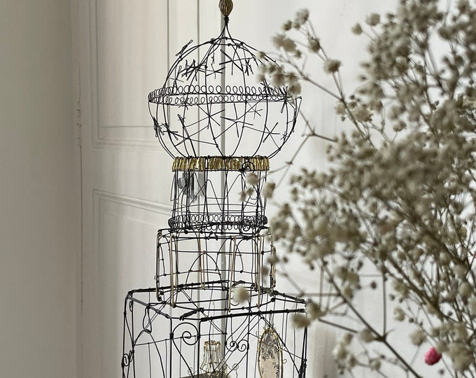 wire sculpture, wire chapel, altar, chapel, wire cage, unique piece handmade by wire artist claire Rougerie