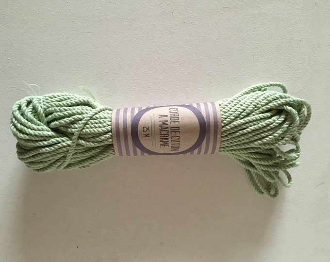 Skein ( 82 ft)  of cotton rope for macrame , diameter 3mm ( 9 ga), made in france GREEN MINT