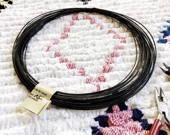 Steel black wire, annealed wire,  diameter 1.5 mm ( 15 gauge ) coil of  20 m ( 65,6 ft ) or 40 m