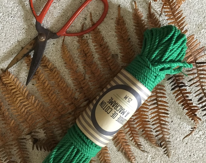 Bundle of  100 ft ( 30 m)  of cotton cord for macrame , diameter 3mm ( 9 ga), made in france GREEN