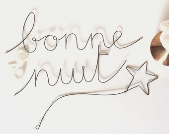Bonne nuit - message and its falling star in wire
