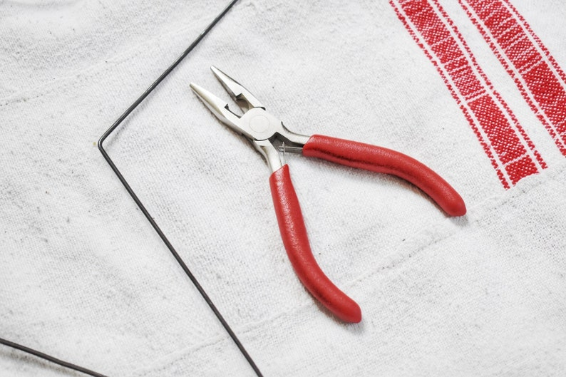 Tapered flat pliers for jewellery and wire work. tool for wire image 0