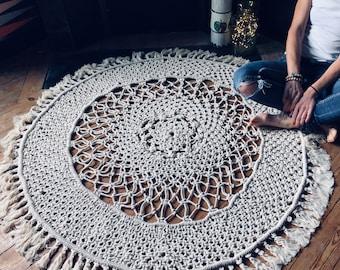 Macrame rug, handmade in France