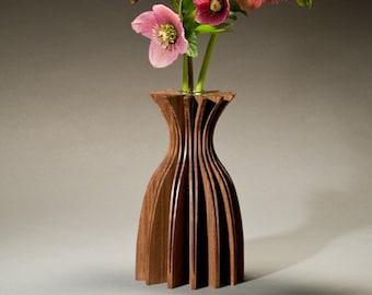 Jasmine walnut wood vase