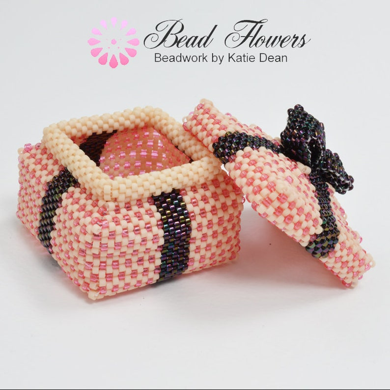 94802b86d09 Parcel Beaded Box Pattern image 0 ...