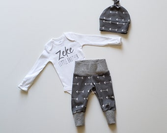 Personalized Baby Boy Coming Home Outfit. Newborn Boy Coming Home Outfit. Personalized Little Brother. Gray Arrow.