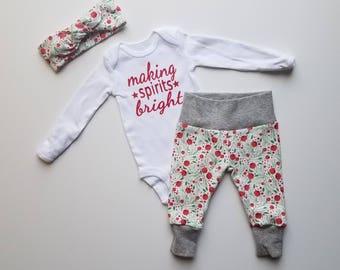 Baby Girl Christmas Newborn Personalized Coming Home Outfit. Baby Girl Christmas Coming Home Outfit. Girl Christmas Outfit Red Green Berries