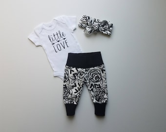 Baby Girl Coming Home Outfit. Newborn Girl Coming Home Outfit. Baby Girl First Outfit. Baby Shower Gift. Sip and See Outfit. Little Love.