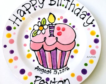 Personalized with name and date ceramic Birthday Plate daisy and cupcake
