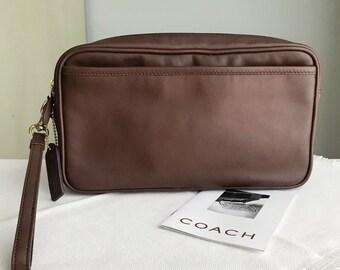 0049da0464 COACH Vintage DOPP Kit Chocolate Brown Leather   Makeup Pouch Bag Clutch  1990s NOS