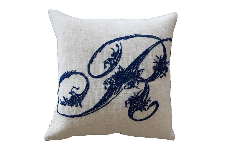 french country,pillow,embroidery pattern,needlepoint,diy,linen,make it personal,Anette Eriksson Design L cross stitch pattern monogram