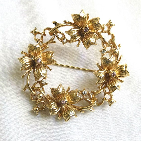 Original vintage brooch of AGENA GIL goldtone metal and rhinestones from the 80s