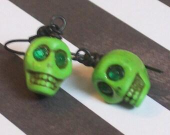 ALIEN Skull Earrings - Sci Fi Jewelry - Geeky Jewelry