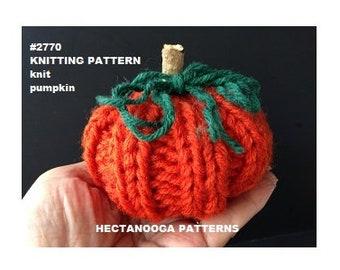 knitting pattern, little knit fall pumpkin for Fall or Halloween, Easy flat knit project, #2770