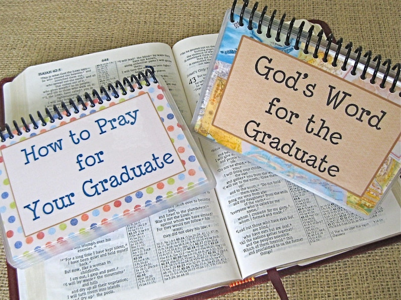 SALE  How to Pray for Your Graduate/God's Word for the image 0