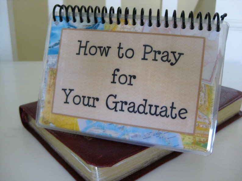 How to Pray for Your Graduate Laminated Bible Verse Cards image 0