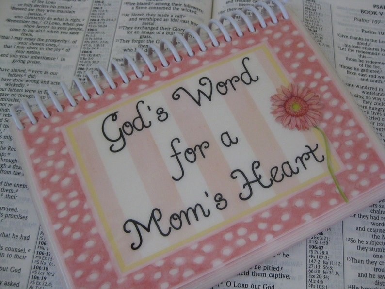 God's Word for a Mom's Heart Spiral-Bound Laminated image 0