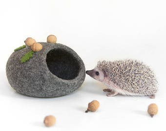 Hedgehog bed, Small pet cave, Eco friendly small animal house, Hamster bed, Woodland fall autumn acorn decor, Pet furniture, Nap pouch