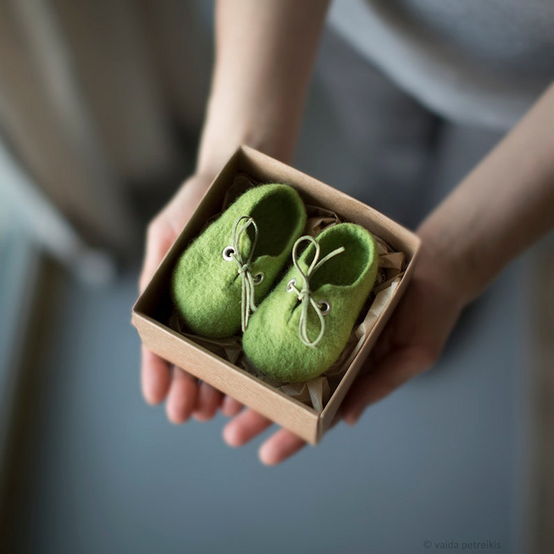 Pregnancy reveal to grandparents Green wool booties Newborn image 1