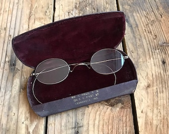 e90118cf2501b Antique EYE Glasses Spectacles- Collectible Glasses- Original Hardshell  Case- Vintage Eyewear- Magnified- Photo Prop Old Glasses