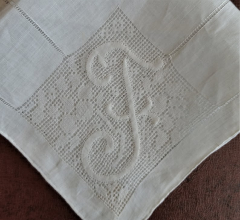 appears unused 12 white needle lace embroidery /& applique on fine white linen drawn thread work hand rolled hem Initial F handkerchief