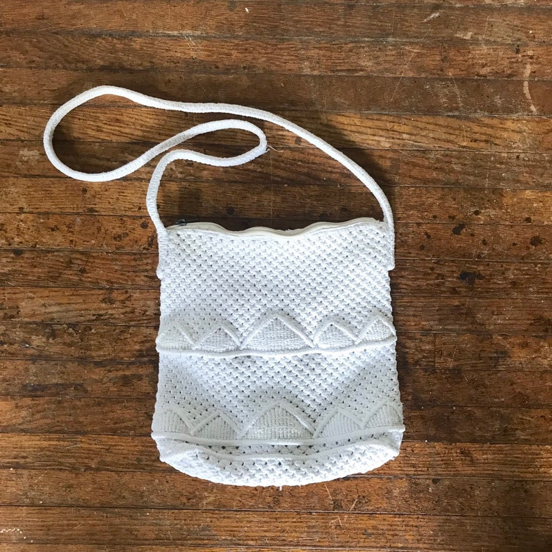 Vintage woven white rope purse.