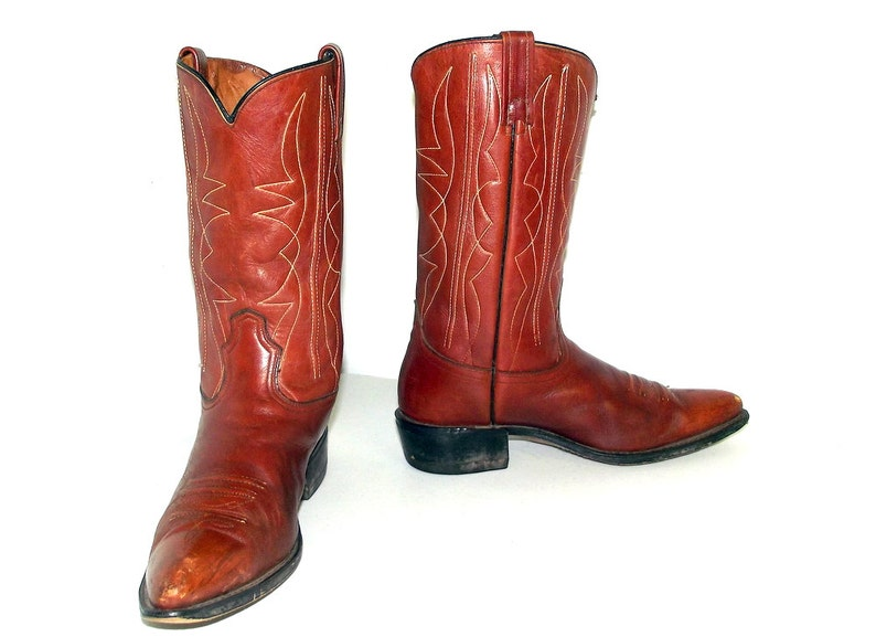 af2e72101299 Vintage Acme brown cowboy boots size 10 D or cowgirl size 11.5