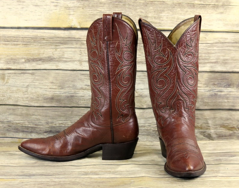 c1649a05a62 Dan Post Cowboy Boots Brown Leather Mens Size 10.5 B Narrow Vintage Western  Wear