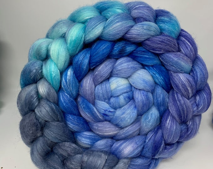 Spinning Fiber Organic Polwarth/Bombyx 80/20, Combed Top - 5oz - Frozen Fjord 1