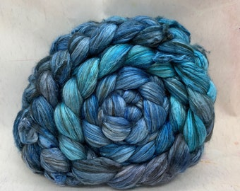 Merino 14.5/Yak/Bombyx Silk 20/40/40 Combed Top - 5oz - Salt Sea 1