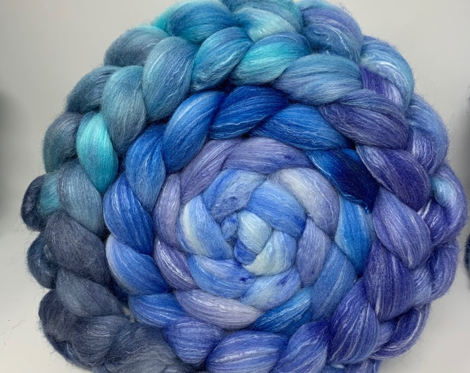 Spinning Fiber Organic Polwarth/Bombyx 80/20, Combed Top - 5oz - Frozen Fjord 2