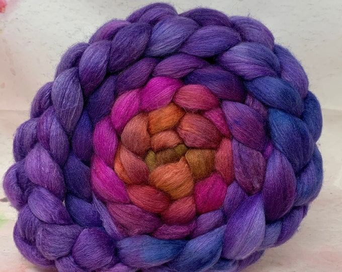 Haunui Halfbred 21.1 Micron Mulberry 70/30 Combed Top - 5oz - Wizard Spell 2