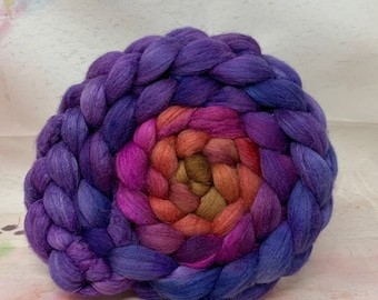 Haunui Halfbred 21.1 Micron Mulberry 70/30 Combed Top - 5oz - Wizard Spell 1