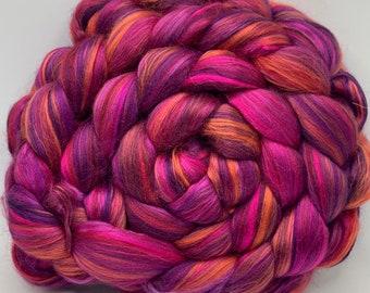Spinning Fiber Merino 18.5/Mulberry silk 50/50 - 5oz - Garnet