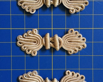 """3 Large Pale Gold Frog Closures 5"""" Long x 2"""" High Wrights Discontinued Sturdy Christopher Lowell Collection"""
